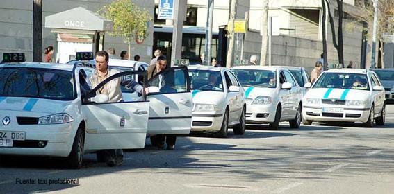 La Junta sancionó a 14 'taxistas piratas' en Huelva con una multa de 4.001 euros